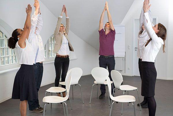 Sonnengruß,-Yoga@Work,-Florian-Spater